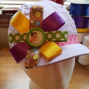 Girls bow with hat